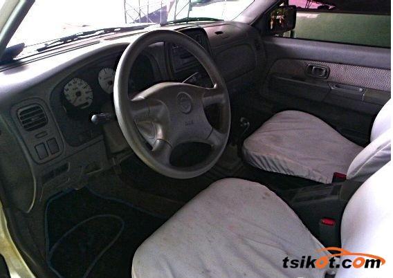 Nissan Frontier 2001 - 3