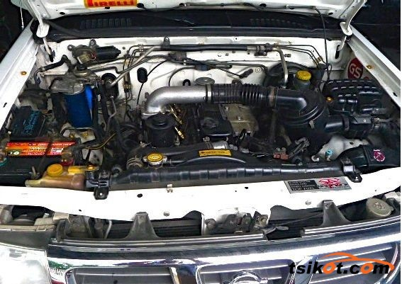 Nissan Frontier 2001 - 5