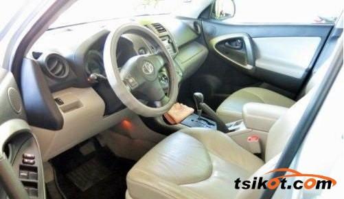 Toyota Rav4 2010 - 3