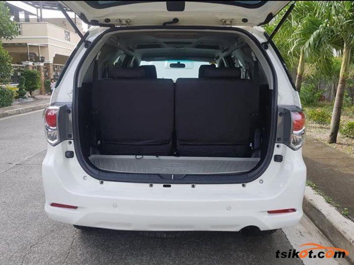 Toyota Fortuner 2016 - 2