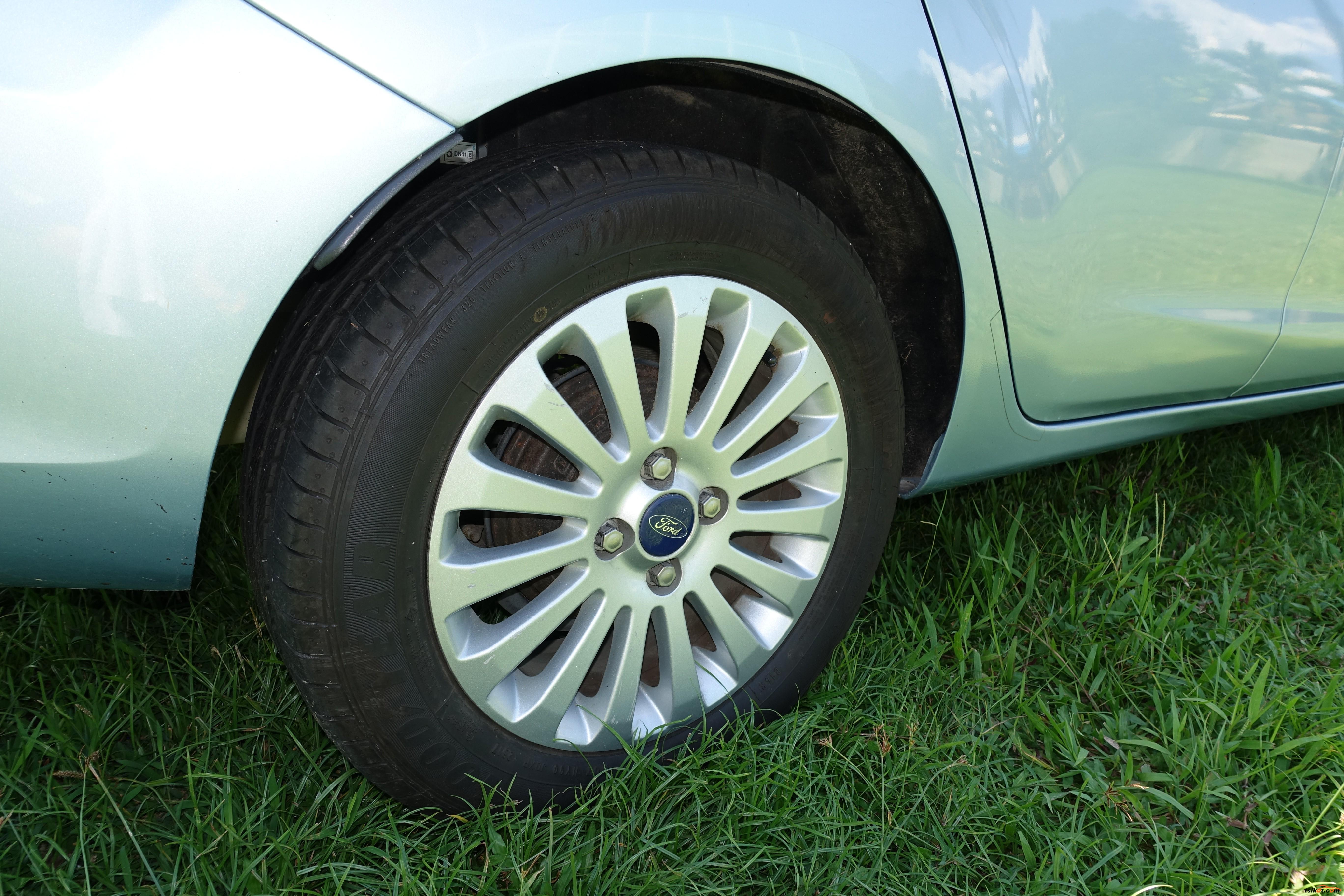 Ford Fiesta 2012 - 5