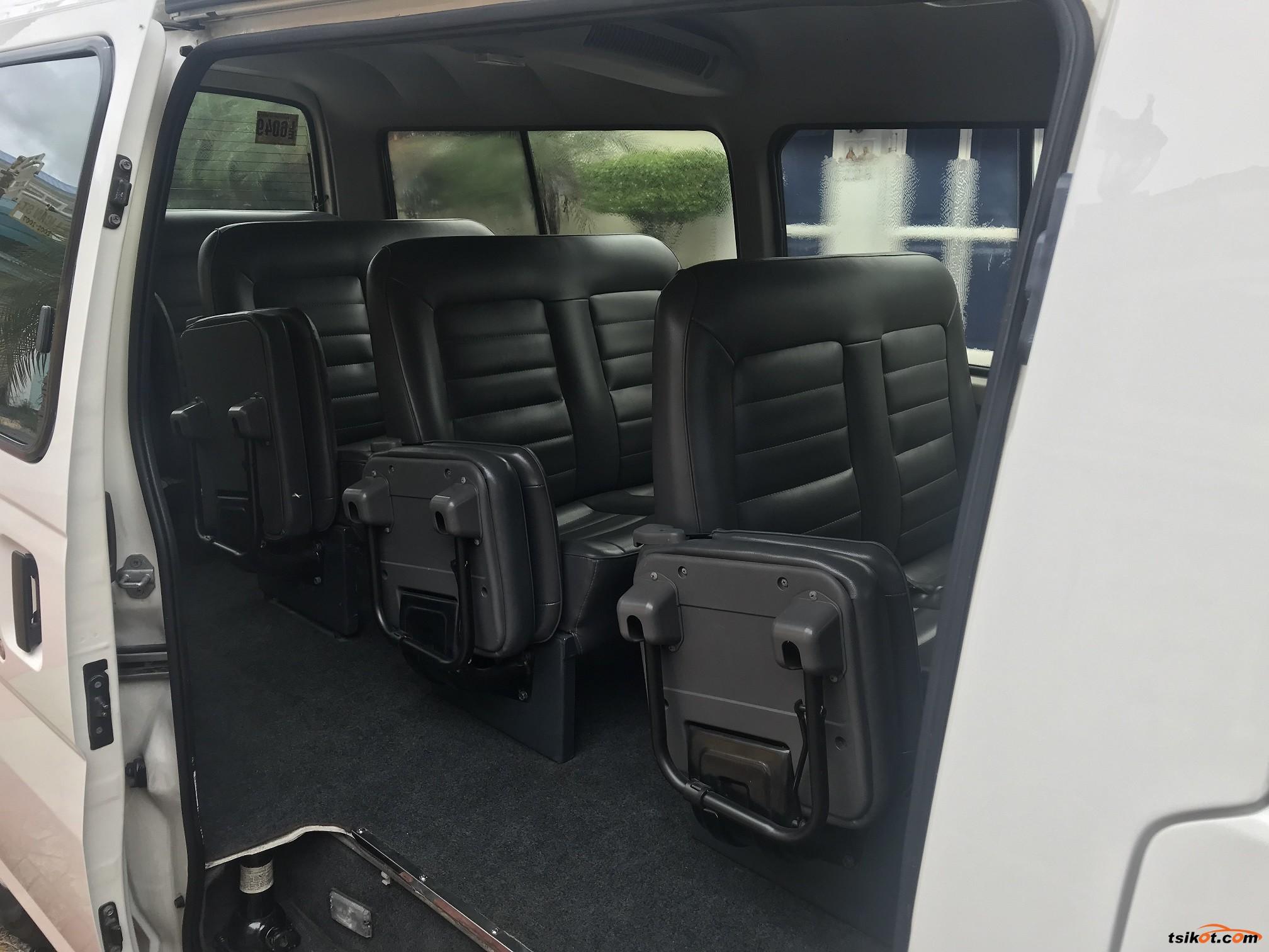 Nissan Urvan 2014 - 6