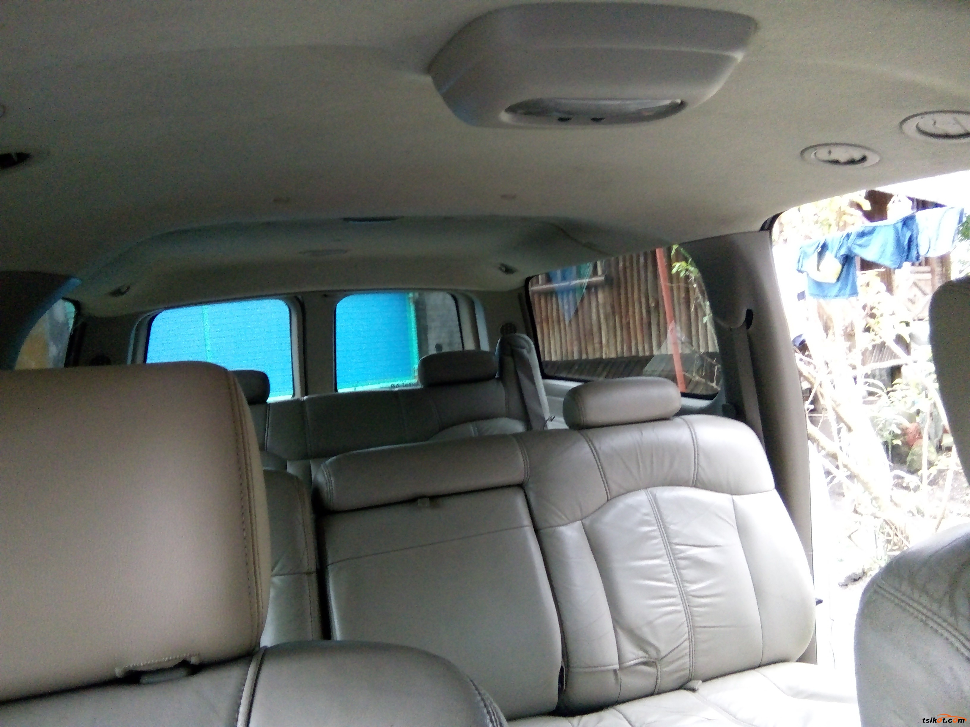 Chevrolet Suburban 2001 - 5