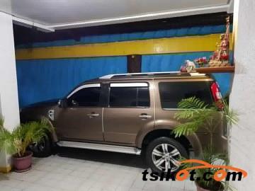 Ford Everest 2010 - 1