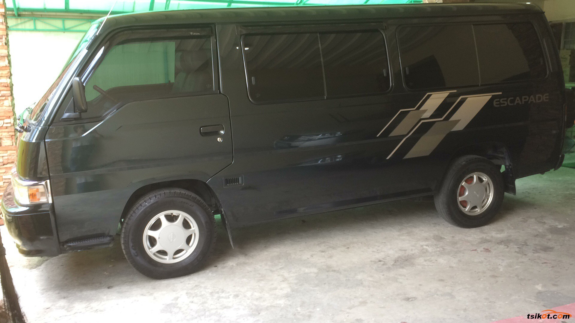 Nissan Urvan 2012 - 2
