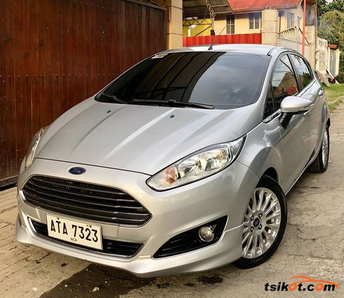 Ford Fiesta 2014 - 1