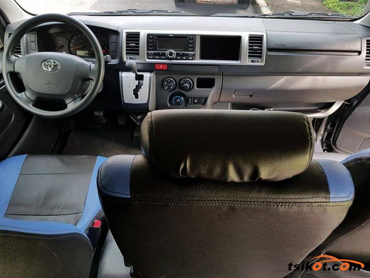 Toyota Hiace 2016 - 3
