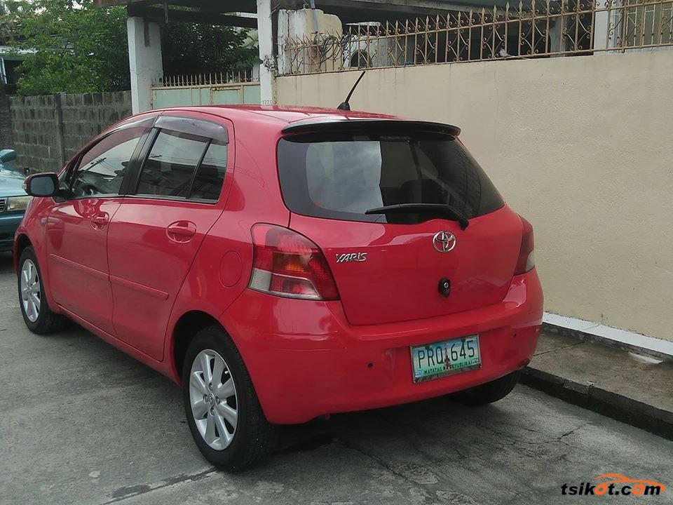 Toyota Yaris 2011 - 1