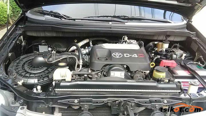 Toyota Innova 2014 - 4