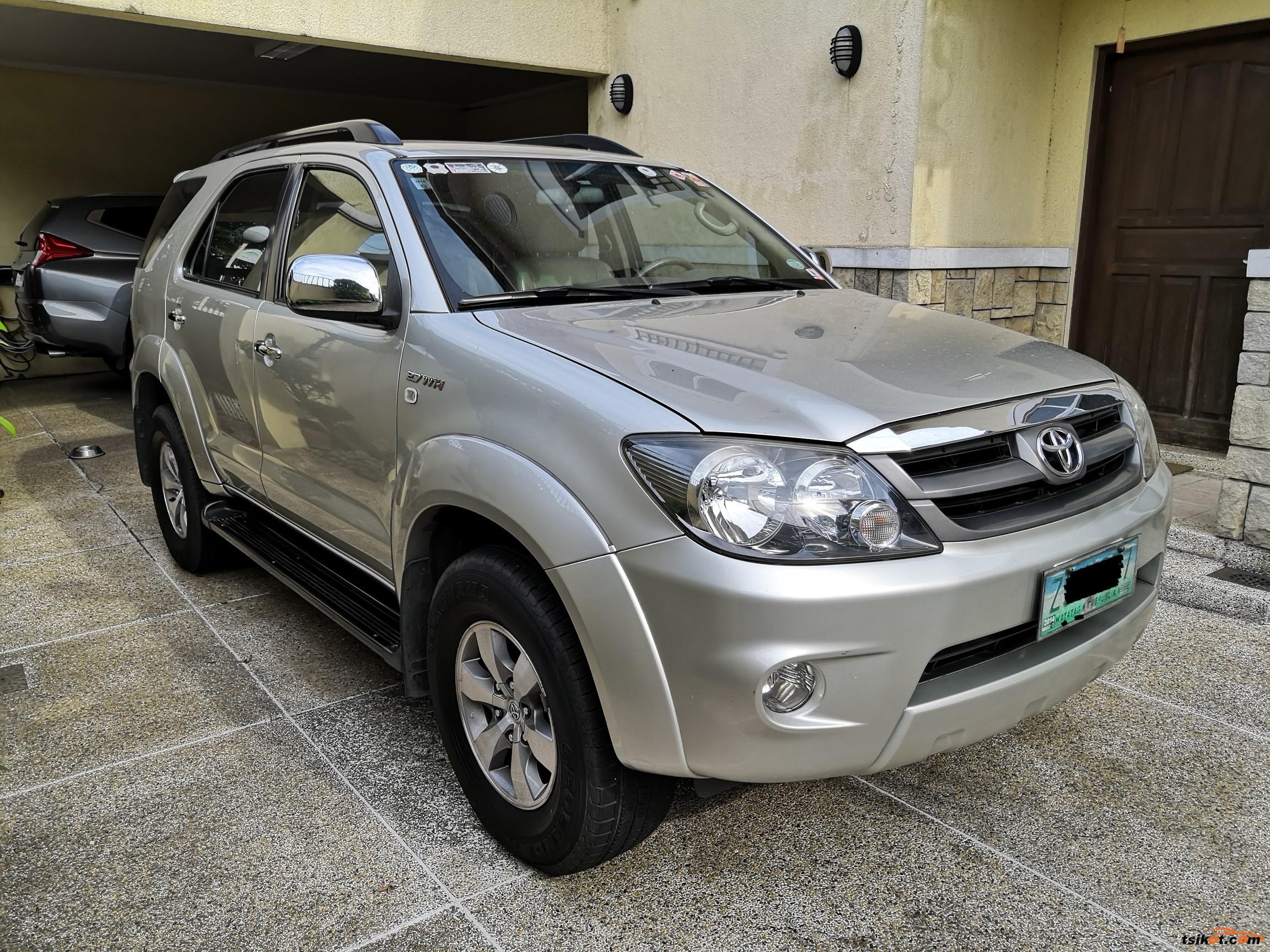 Toyota Fortuner 2008 - 1