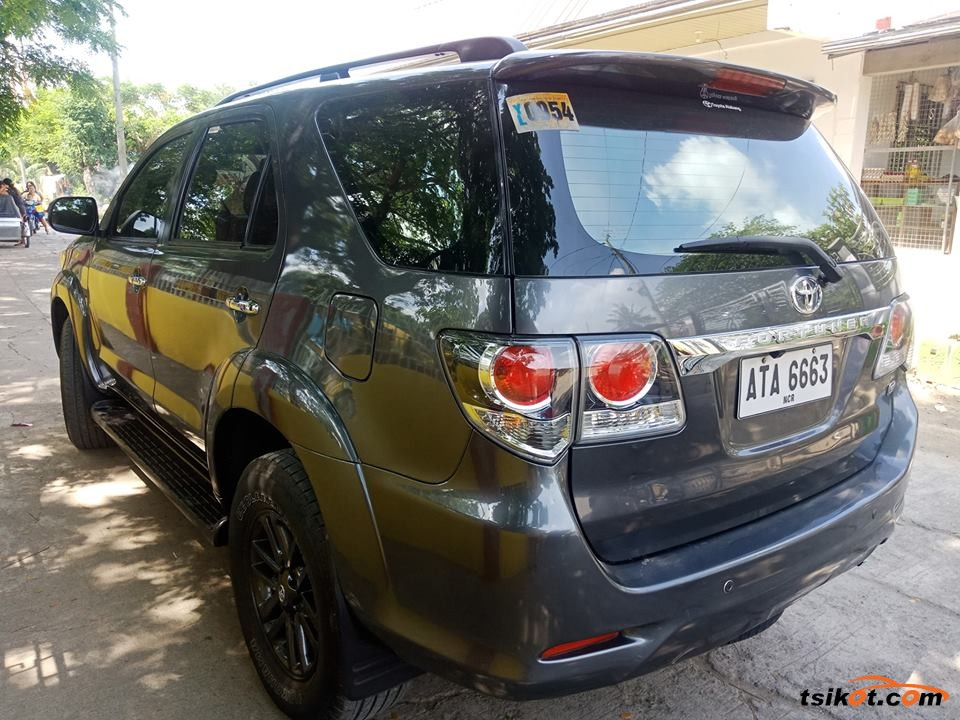 Toyota Fortuner 2015 - 6