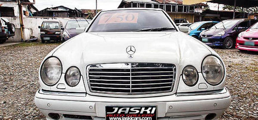 Mercedes-Benz E 2000 - 1