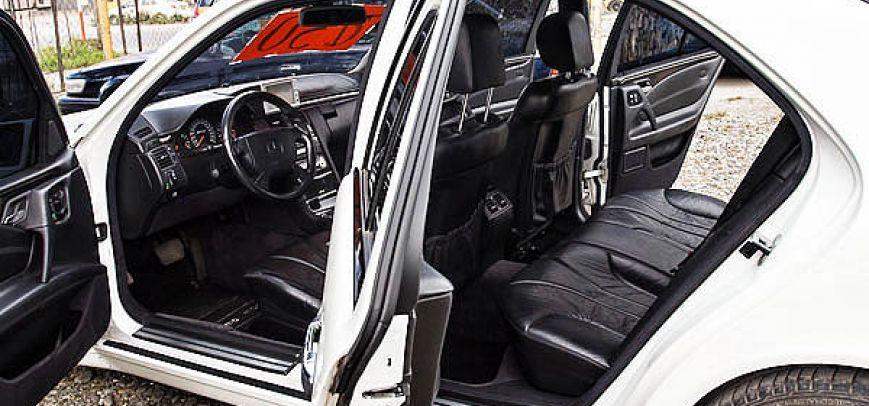 Mercedes-Benz E 2000 - 5
