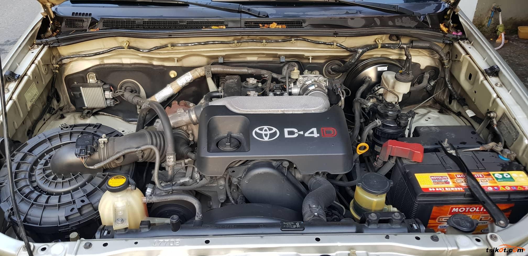 Toyota Hilux 2011 - 6