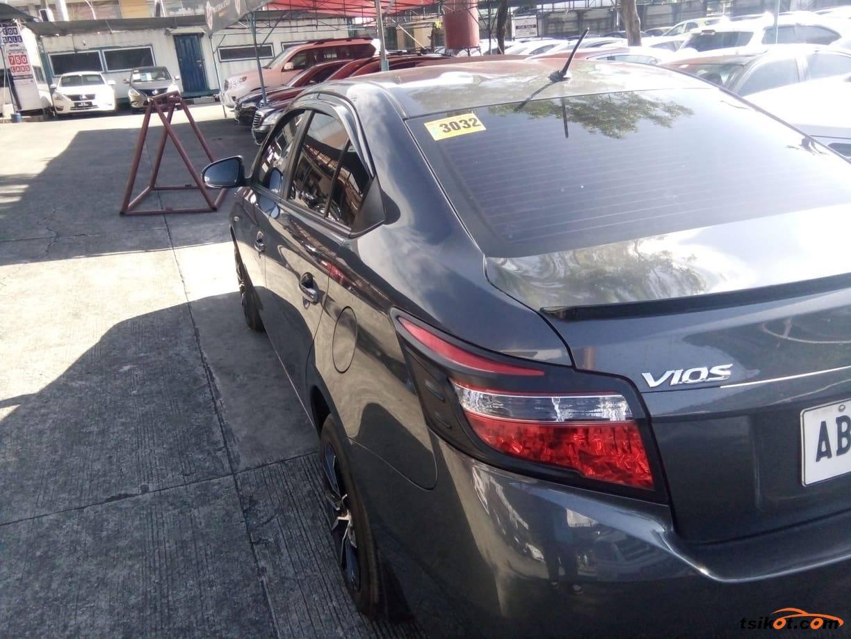 Toyota Vios 2015 - 3