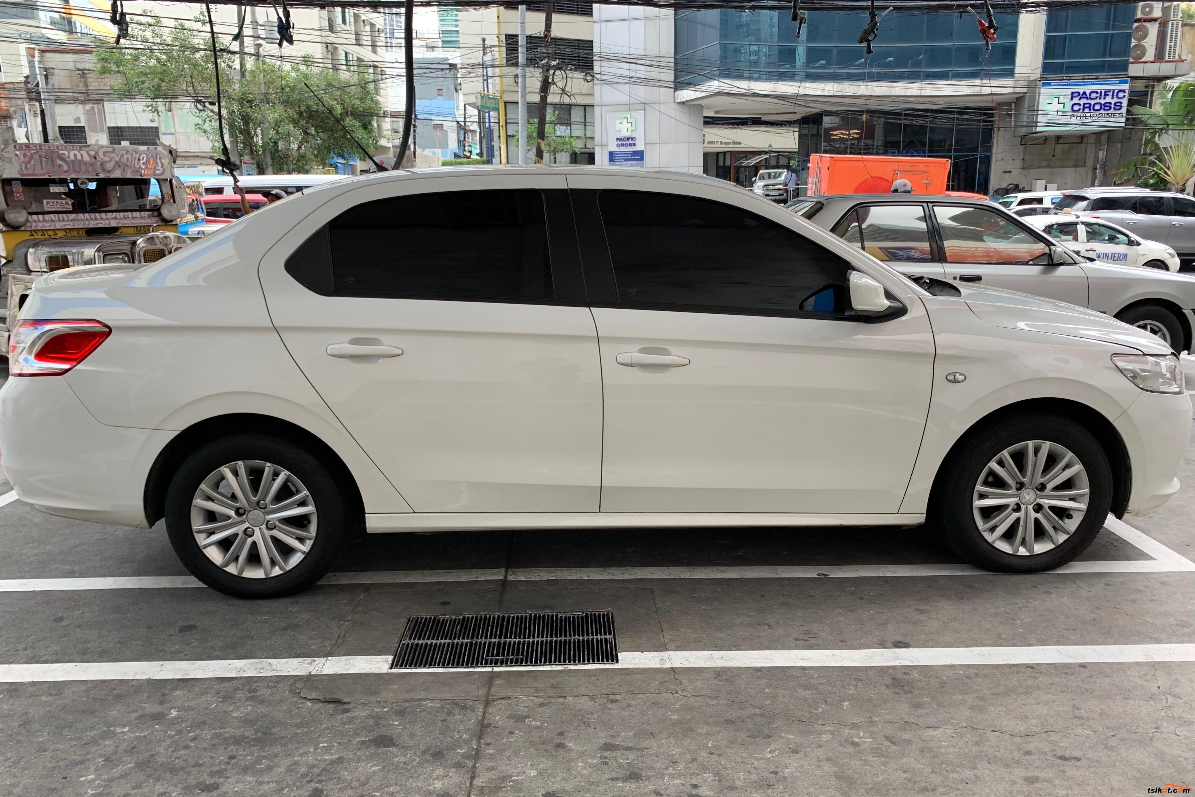 Peugeot 301 2015 - 1