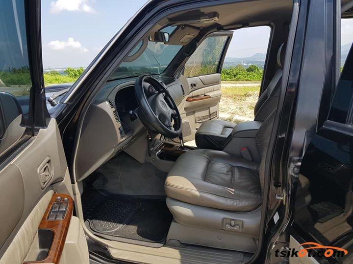 Nissan Patrol 2001 - 4