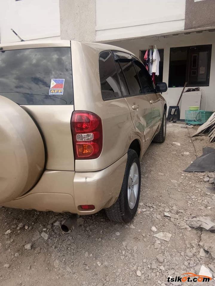 Toyota Rav4 2003 - 3