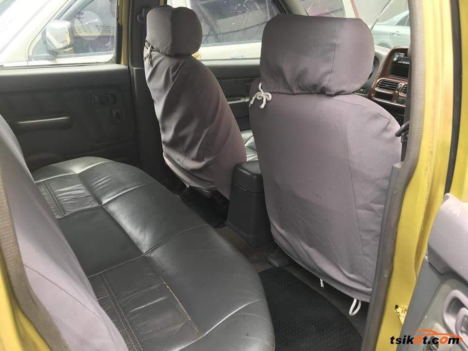 Nissan Frontier 2002 - 1
