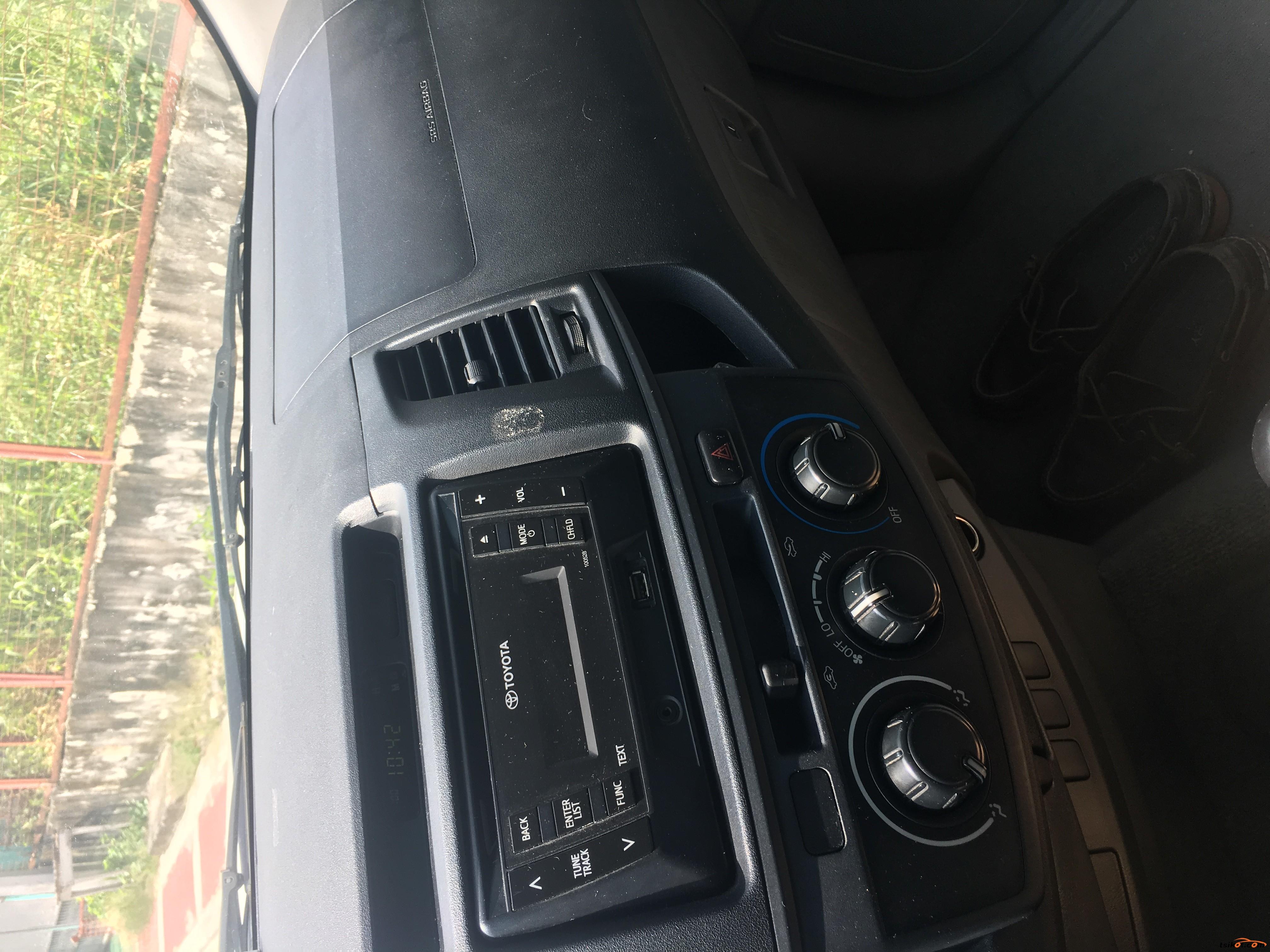 Toyota Hilux 2015 - 8