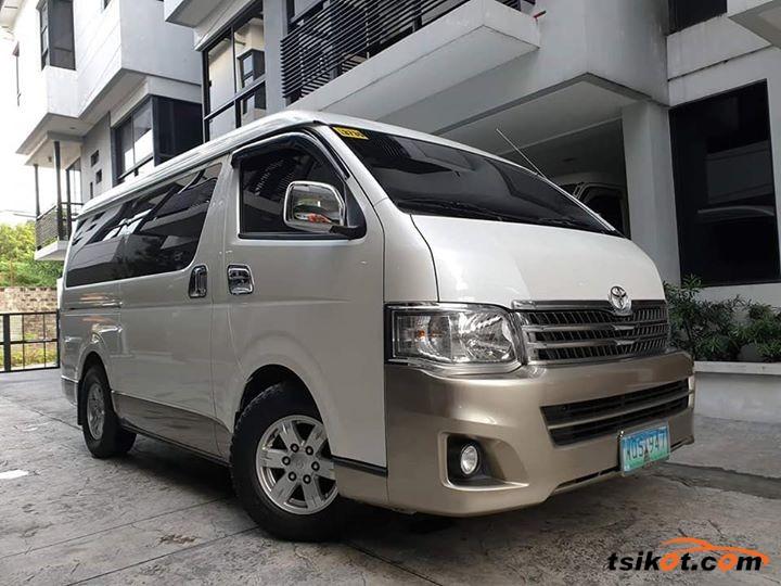 Toyota Hi-Ace 2014 - 1