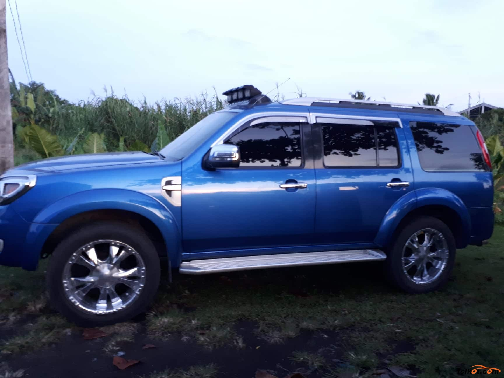 Ford Everest 2009 - 1