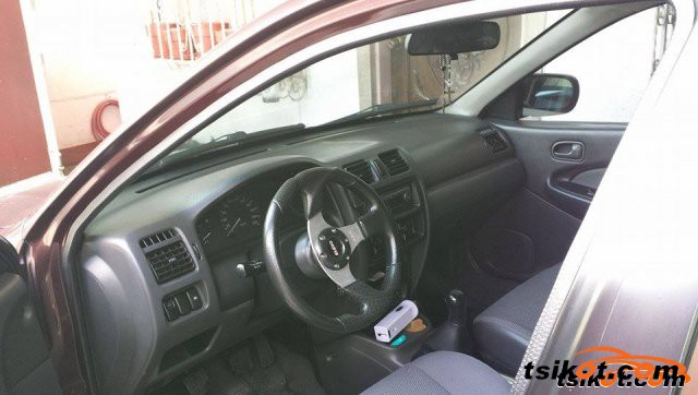 Mazda Familia 2000 - 2