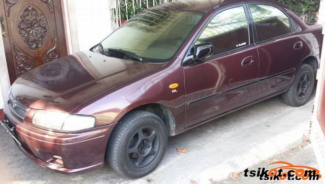 Mazda Familia 2000 - 4