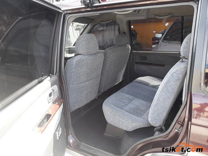 Mitsubishi Adventure 2000 - 6