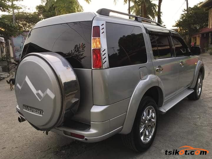Ford Everest 2008 - 2