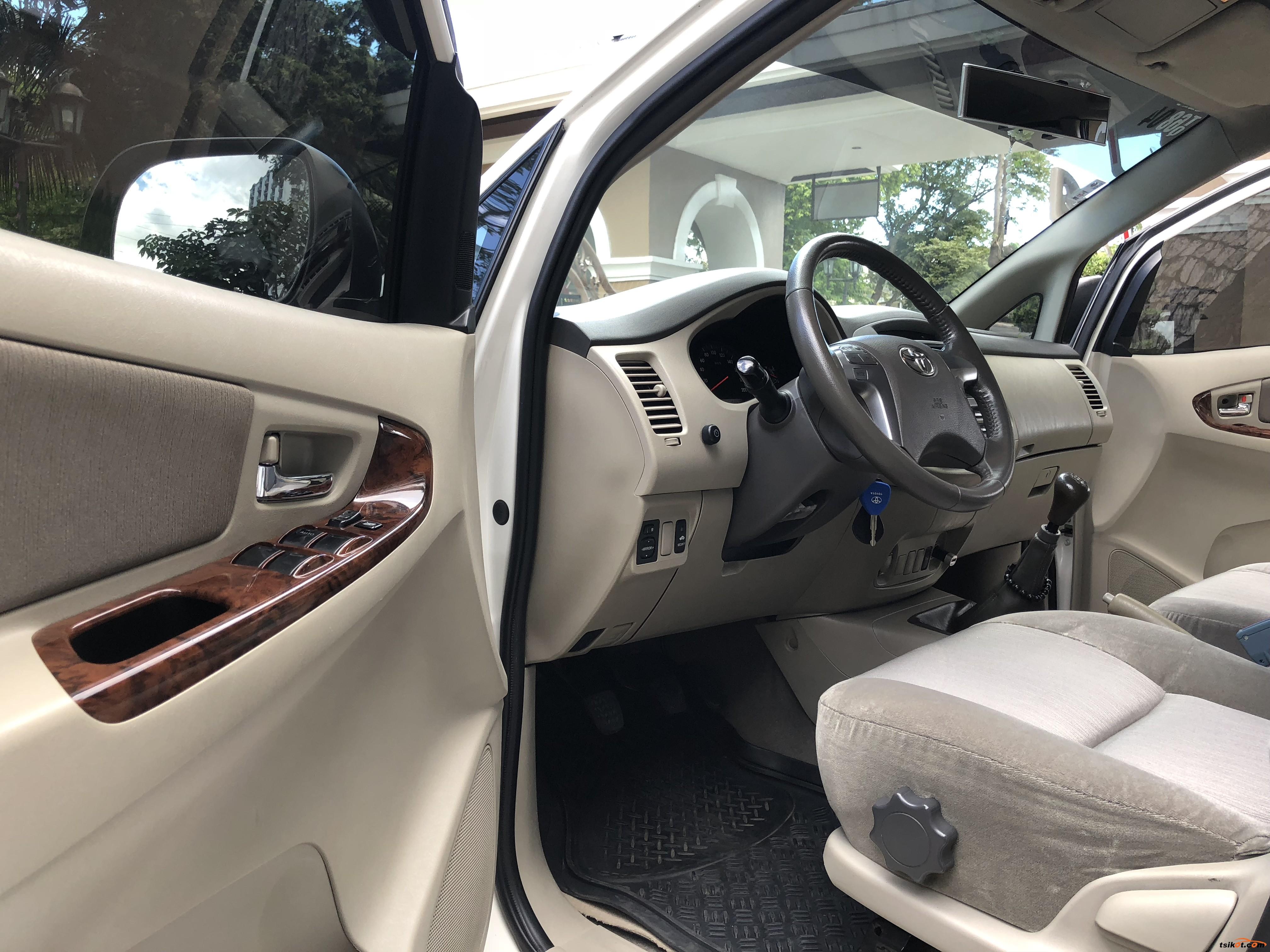 Toyota Innova 2013 - 8