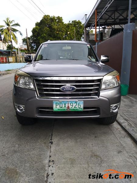 Ford Everest 2011 - 1