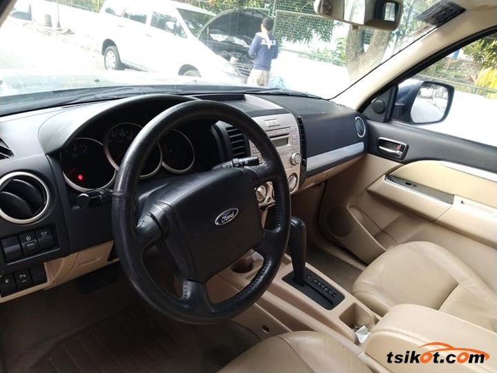 Ford Everest 2011 - 4