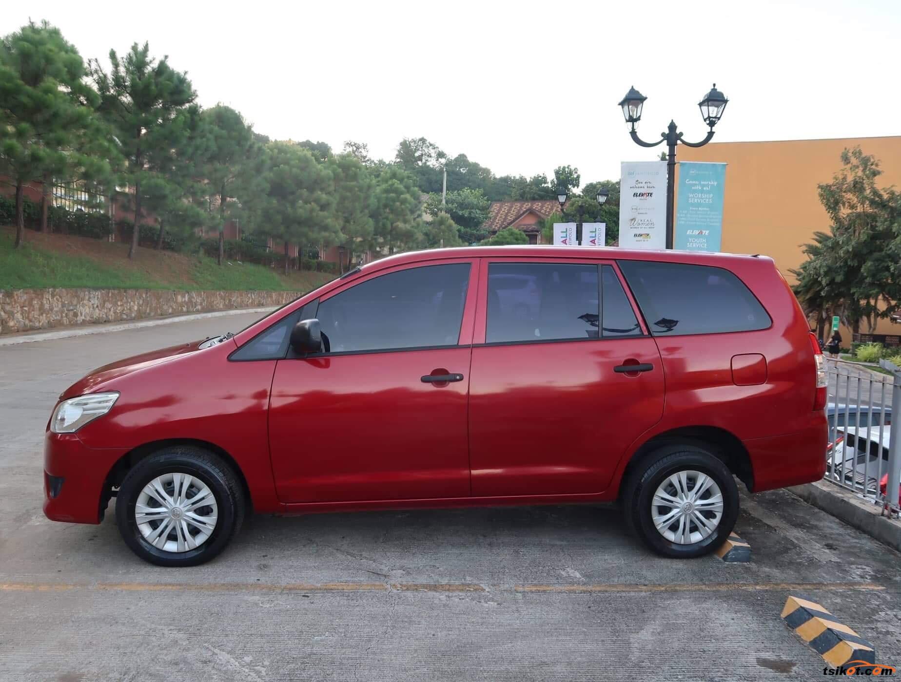 Toyota Innova 2013 - 7