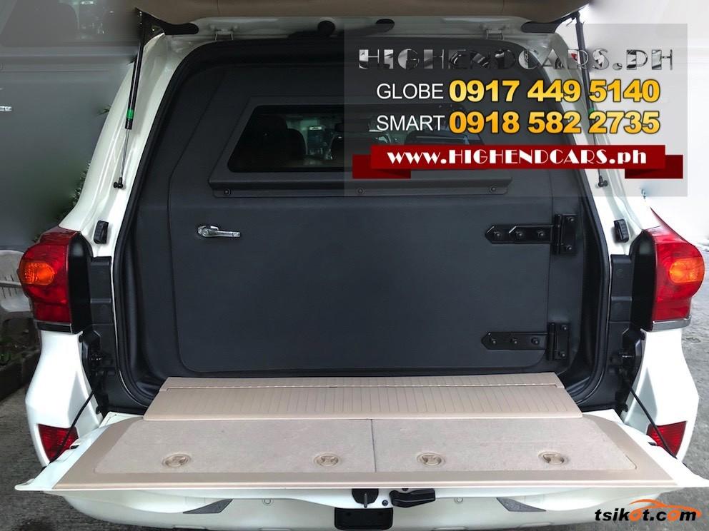 Toyota Land Cruiser 2013 - 5