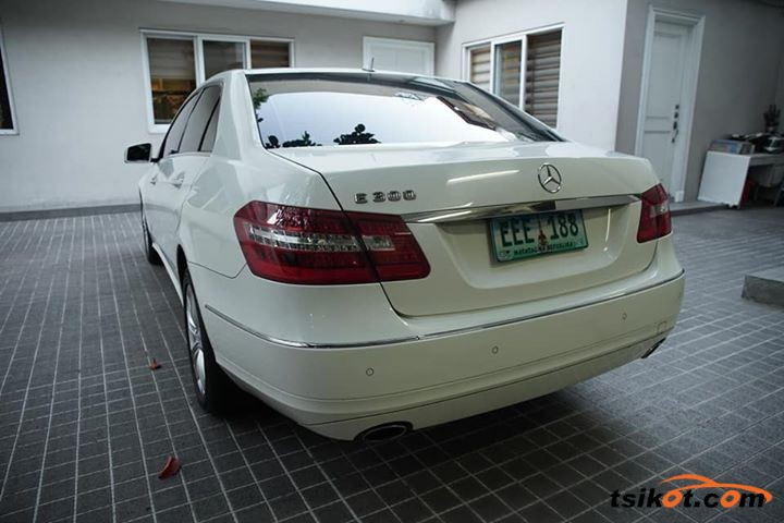 Mercedes-Benz E 2010 - 3