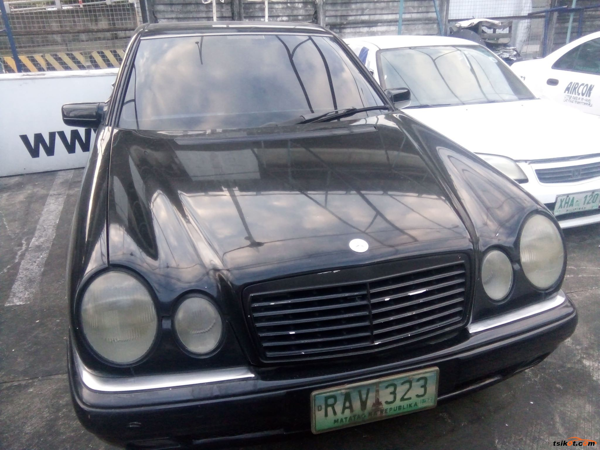Mercedes-Benz 320 1997 - 2