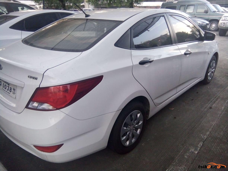 Hyundai Accent 2016 - 3