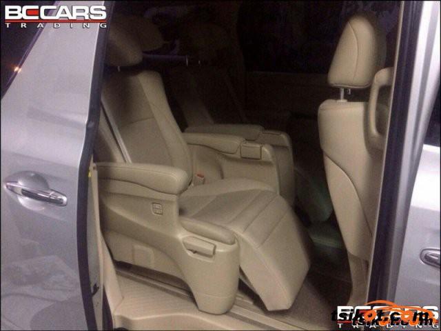 Toyota Alphard 2011 - 3