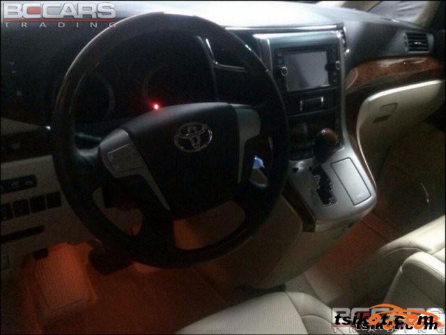 Toyota Alphard 2011 - 4