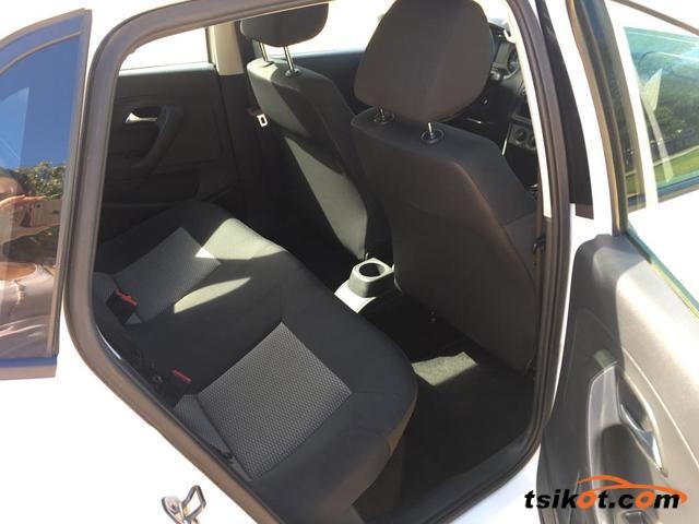 Volkswagen Polo 2010 - 7