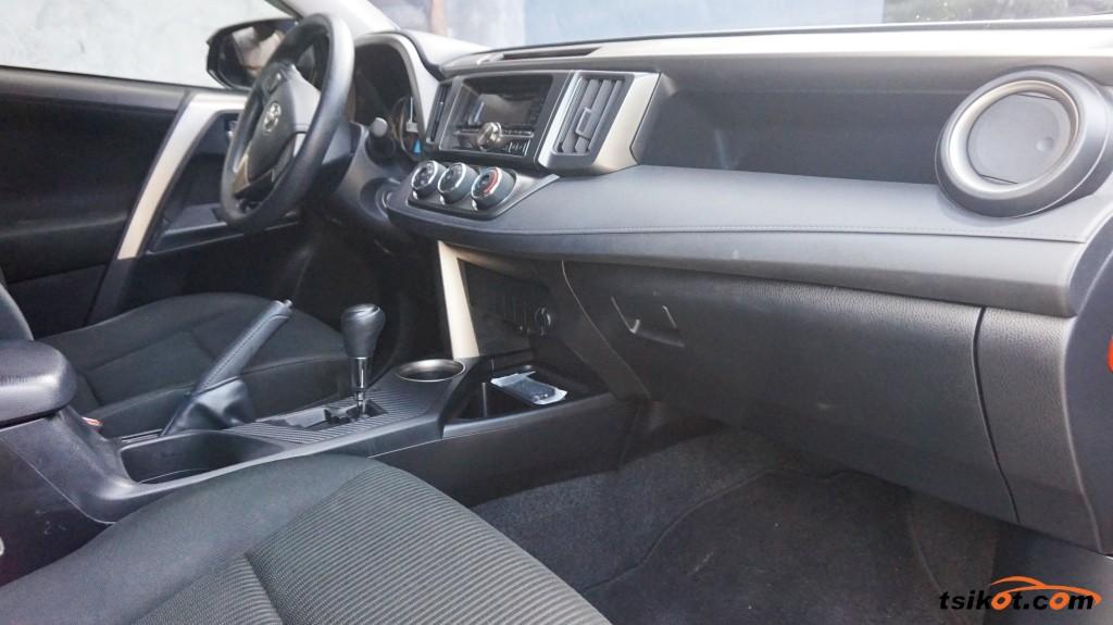 Toyota Rav4 2014 - 7