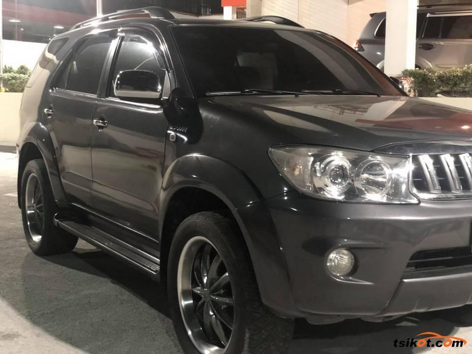 Toyota Fortuner 2006 - 8