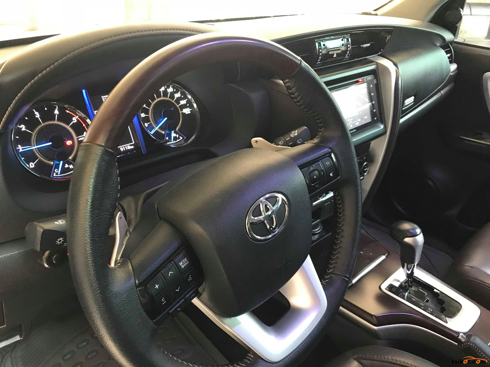 Toyota Fortuner 2018 - 6