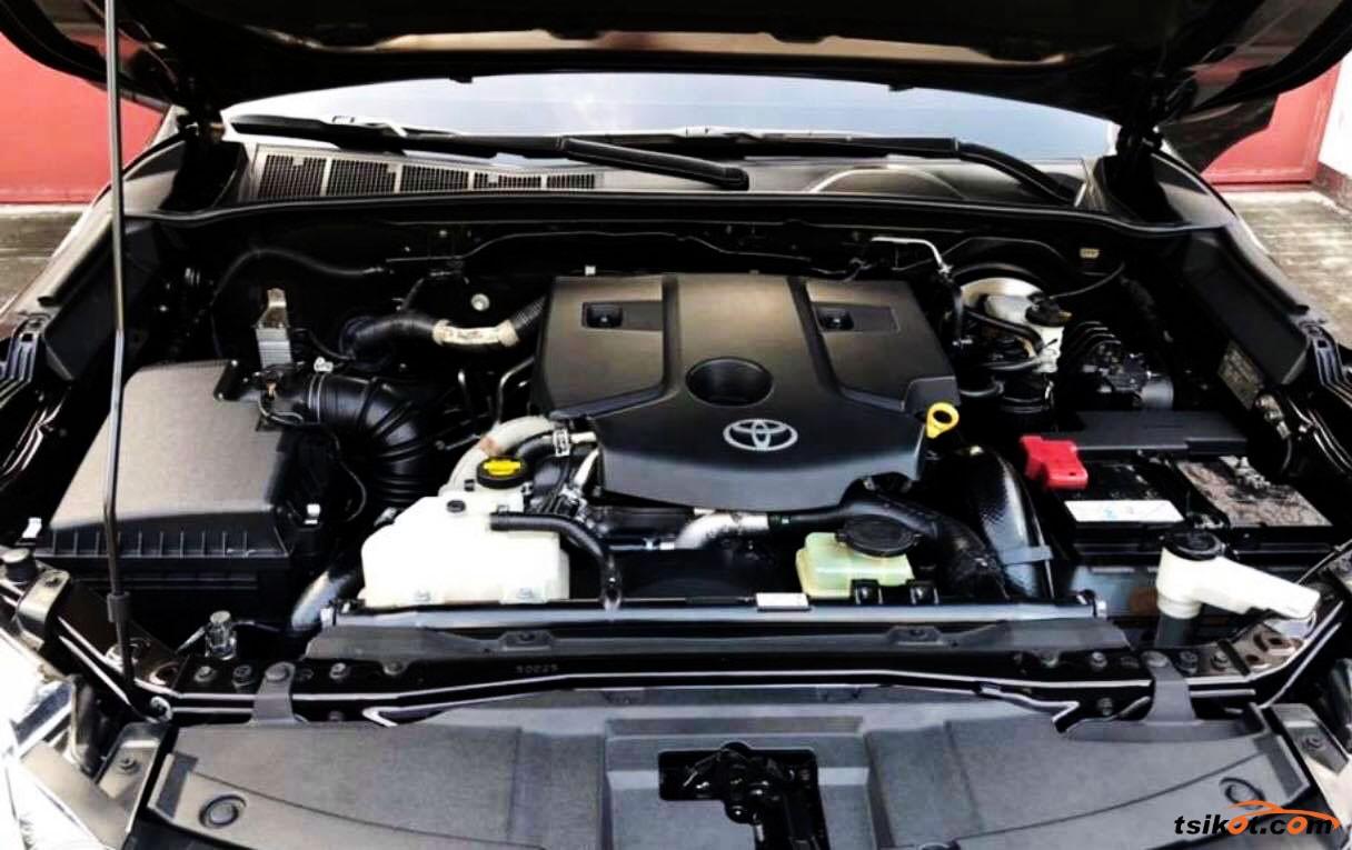 Toyota Fortuner 2018 - 9