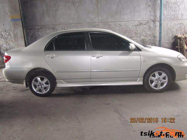 Toyota Corolla 2004 - 4