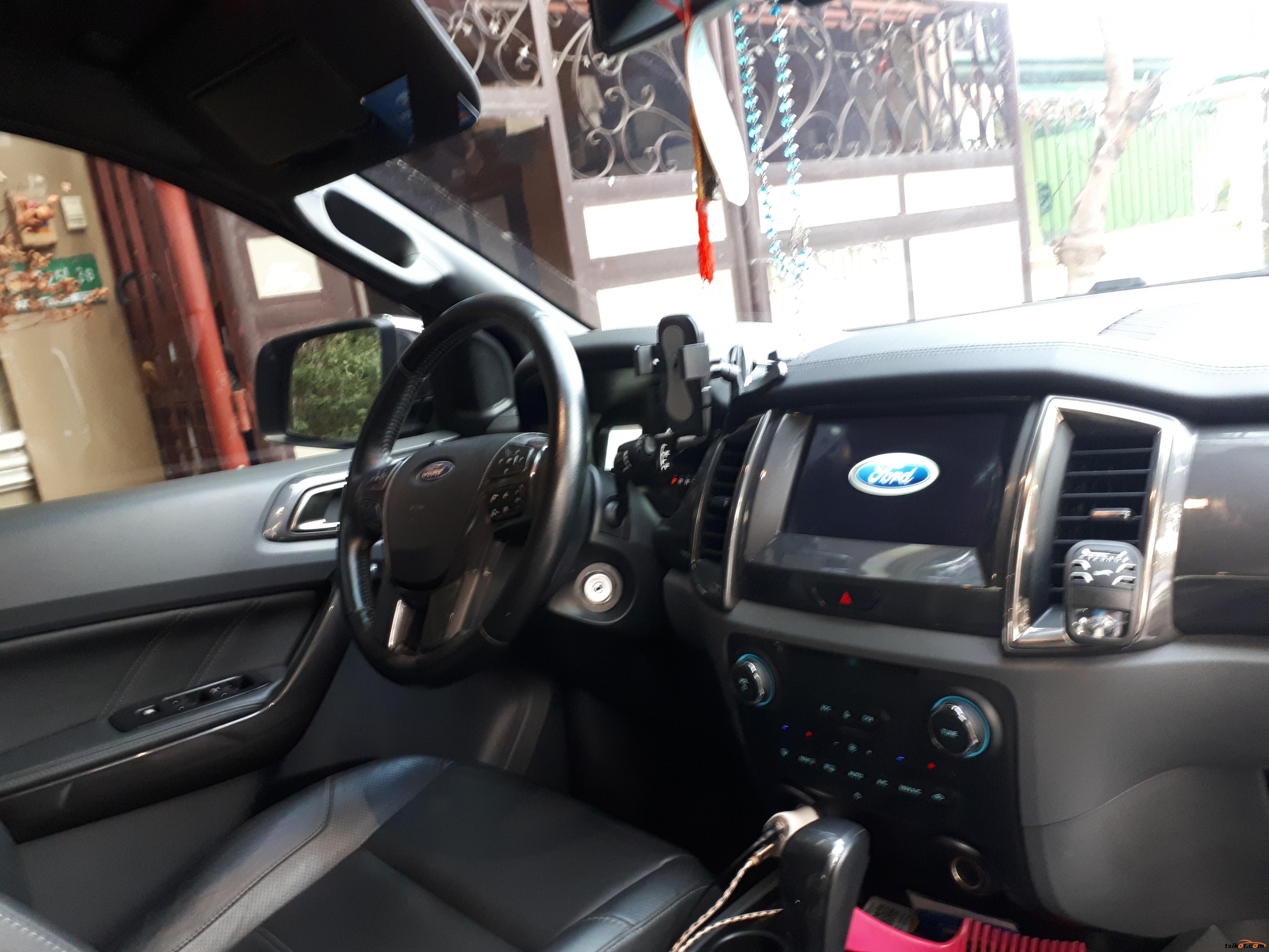 Ford Everest 2017 - 3