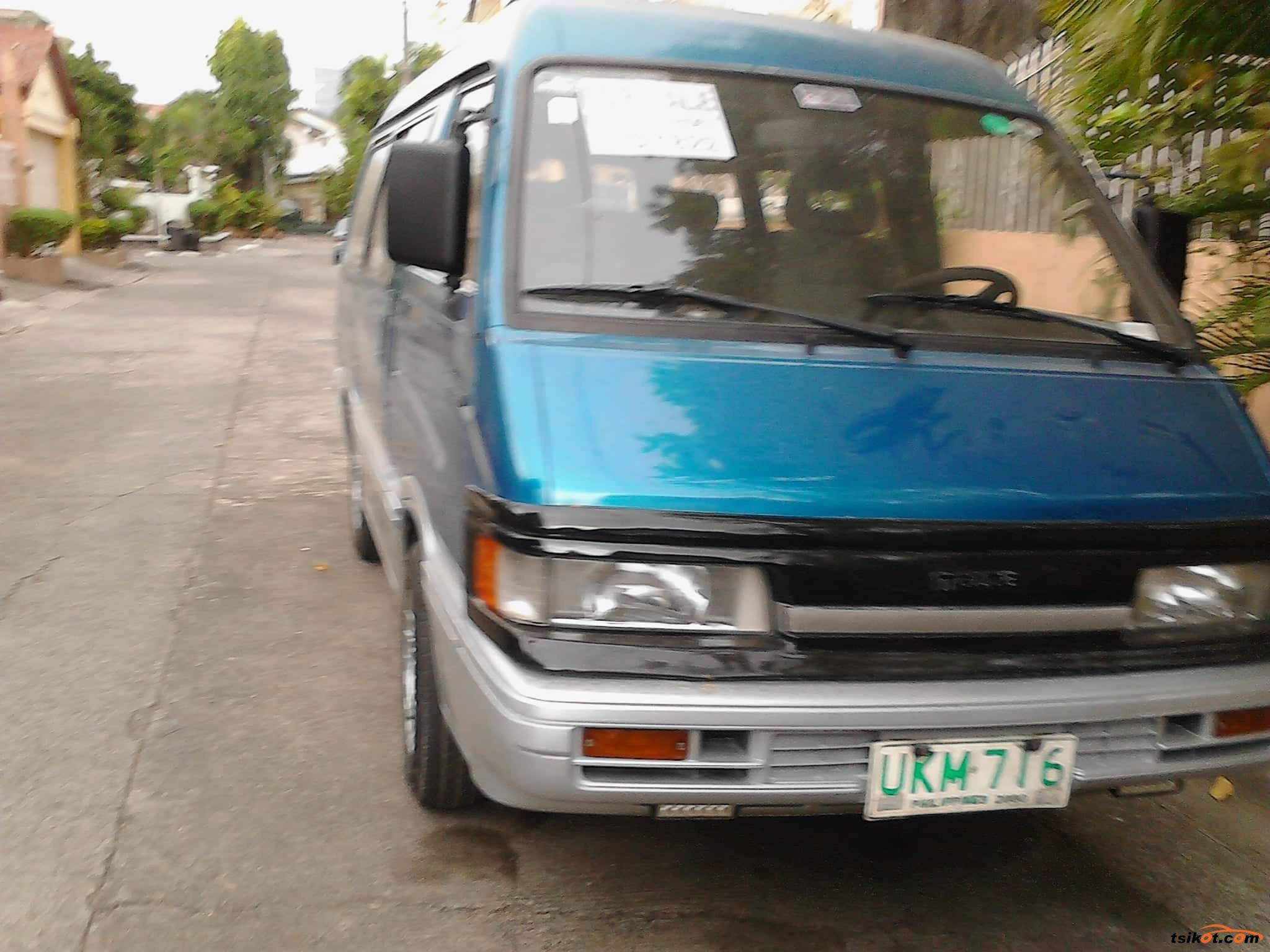Mazda 1000 1996 - 1