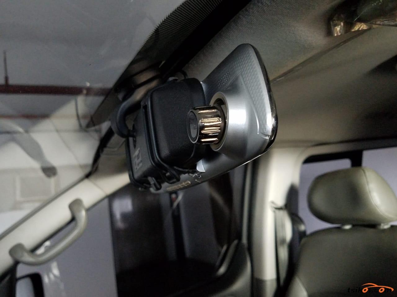 Hyundai Starex 2014 - 10