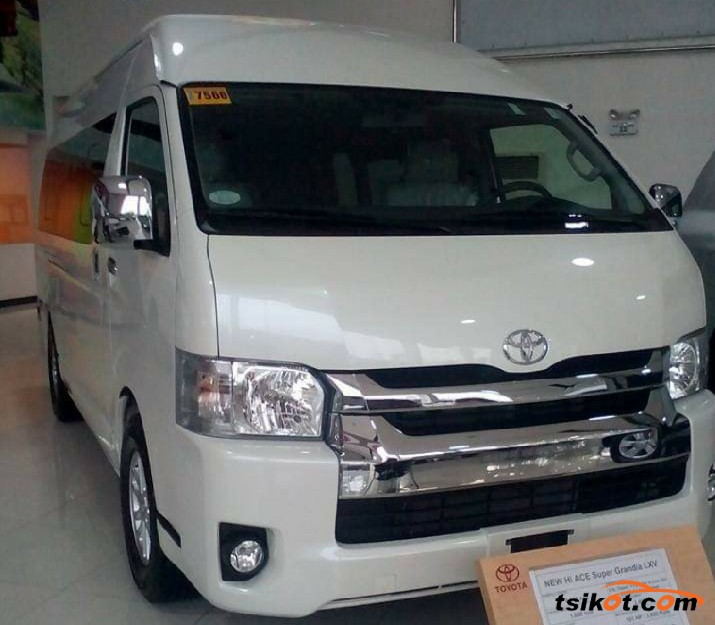 Toyota Hiace 2018 - 2